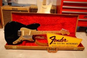 57'Duo-sonicと57'Musicmasterを組み合わせてBlackieを作ってみました。57'Musicmasterのネックが前から好きだったので、どうしてもDuoのアッセンブリーを組み込んで1本作りたいと思っていました。暫くは、これが私のメインギターになると思います。